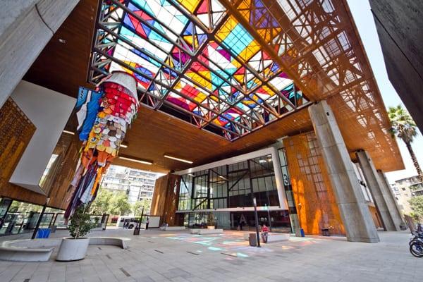 Centro Cultural Gabriela Mistral um passeio muito legal em Santiago!