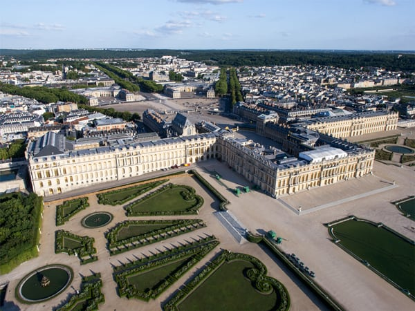 Faça um tour virtual por um dos castelos mais deslumbrantes do mundo, o Castelo de Versalhes