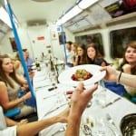 Jantar num vagão de metrô? Isso é possível em Londres!