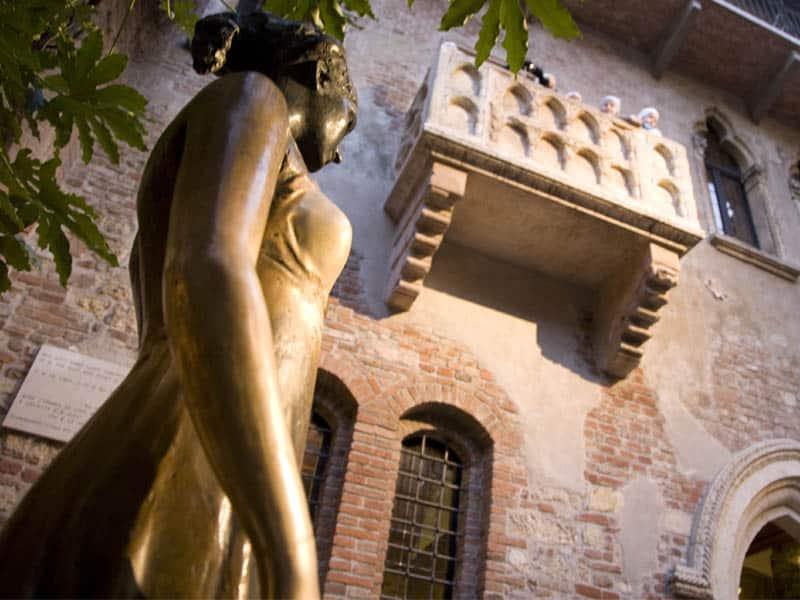 Verona abriga Casa de Julieta, o grande amor de Romeu