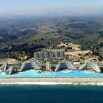 Conheça a maior piscina do mundo, no Chile