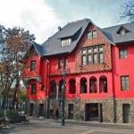 Compare hotéis e apartamentos Airbnb em Santiago, no Chile