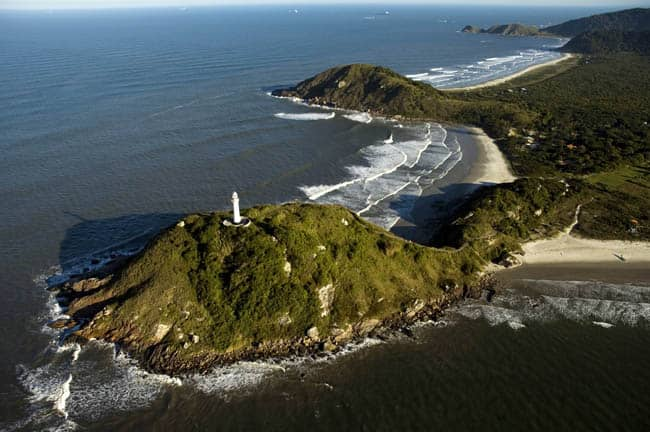 lugares diferentes no Brasil Ilha do Mel - Farol das Conchas
