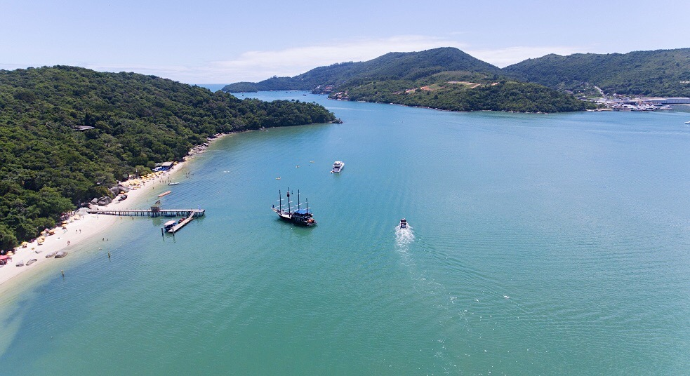Ilha de Porto Belo: uma baía tranquila em Santa Catarina