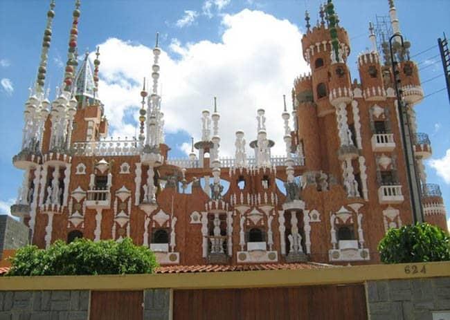 Os belos e exóticos castelos do Brasil