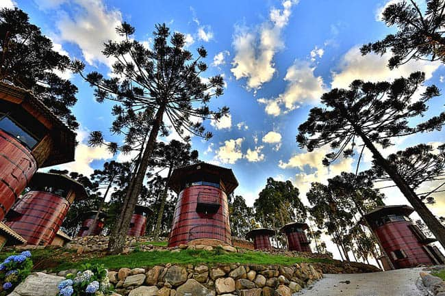 Hotel Fazenda na Serra Gaúcha é feito com pipas de vinho