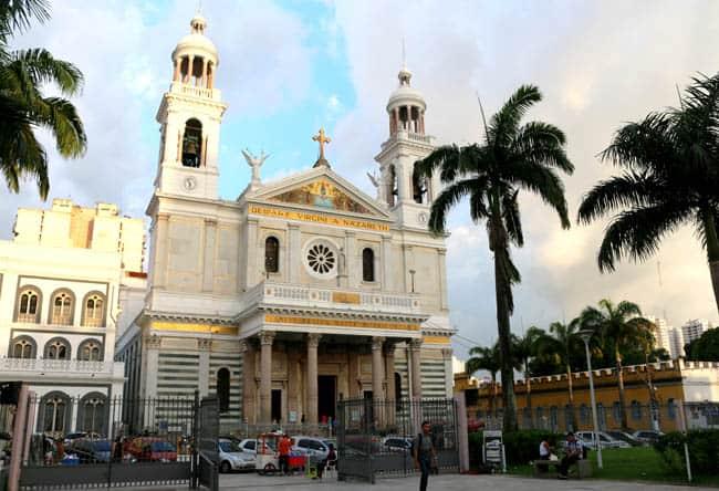 Igrejas incríveis no Brasil Basilica Nazare