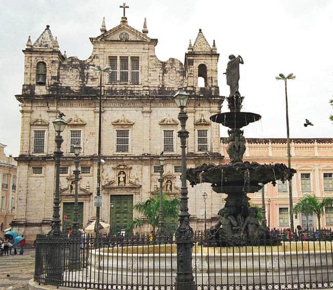 Igrejas incríveis no Brasil Basilica Salvador