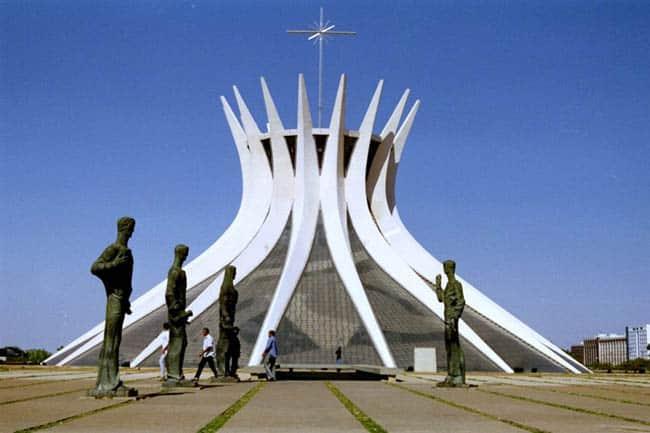 Igrejas incríveis no Brasil Catedral Brasilia