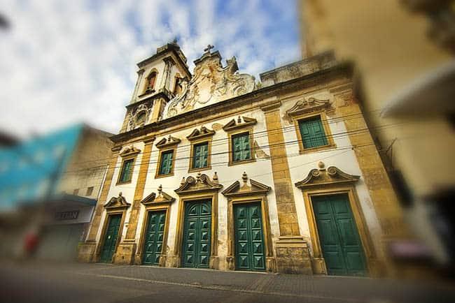 Igrejas incríveis no Brasil igreja_nossa_senhora_da_conceicao_dos_militares_0