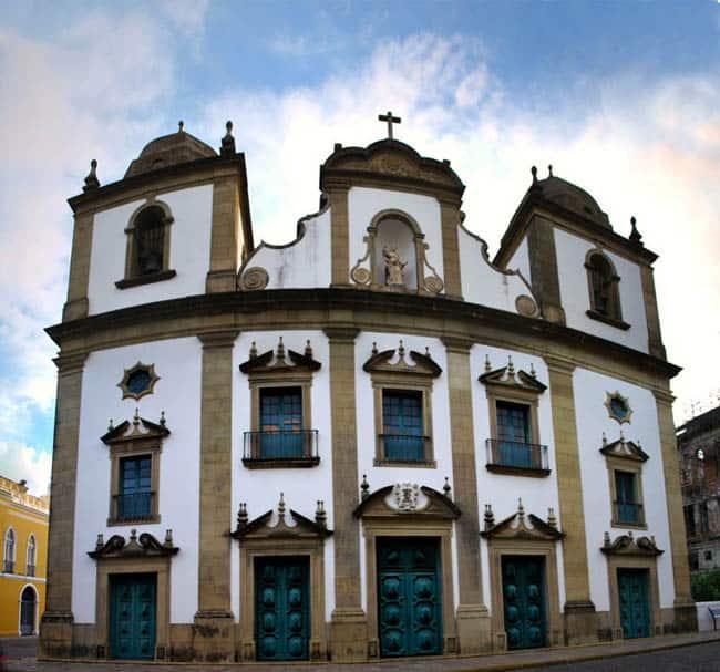 Igrejas incríveis no Brasil Madre de Deus