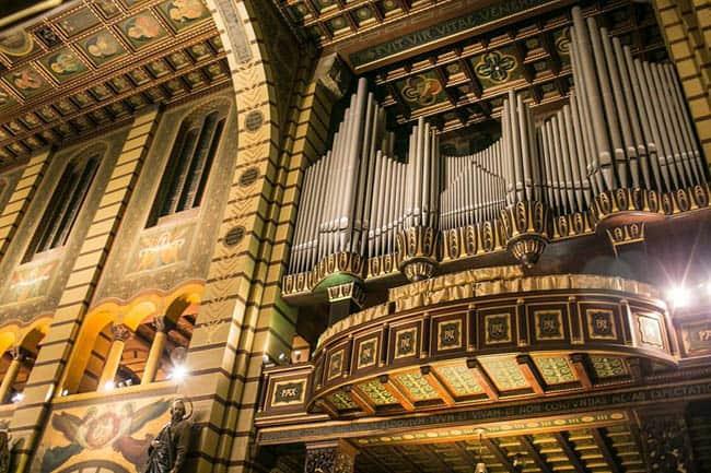 Igrejas incríveis no Brasil Mosteiro_SP