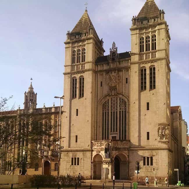 Igrejas incríveis no Brasil MosteiroSP