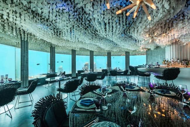 Conheça o incrível restaurante debaixo d'água na Maldivas