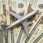 No Brasil ou lá fora? Saiba como e onde comprar dólar para viajar no exterior