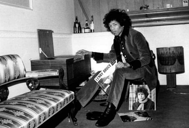 Apartamento de Jimi Hendrix em Londres se transforma em museu do artista