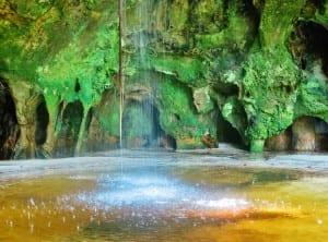 Gruta da Judéia: paisagem cinematográfica no Amazonas