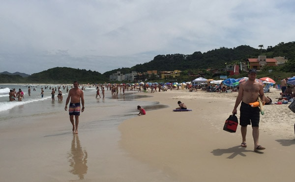 praia-quatro-ilhas-bombinhas-sc