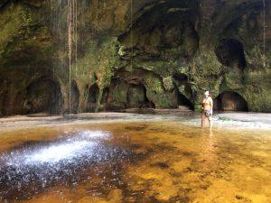 Um passeio pelas grutas e cavernas cinematográficas no Amazonas