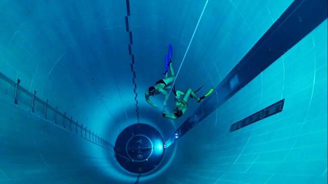 Você teria coragem de nadar na piscina mais funda do mundo?