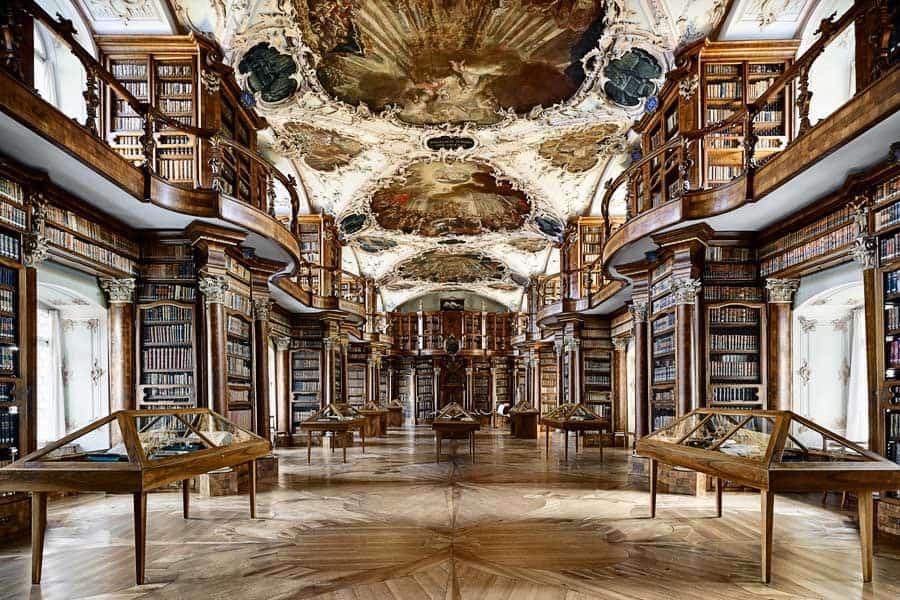 Biblioteca-Suiça