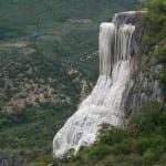 Conheça as cascatas petrificadas que são quase esculturas naturais no México