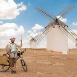 Este espanhol resolveu refazer os passos de Dom Quixote em uma incrível viagem de bicicleta