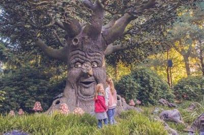 Parque Efteling, na Holanda, dá vida aos contos de fadas ao criar um mundo lúdico