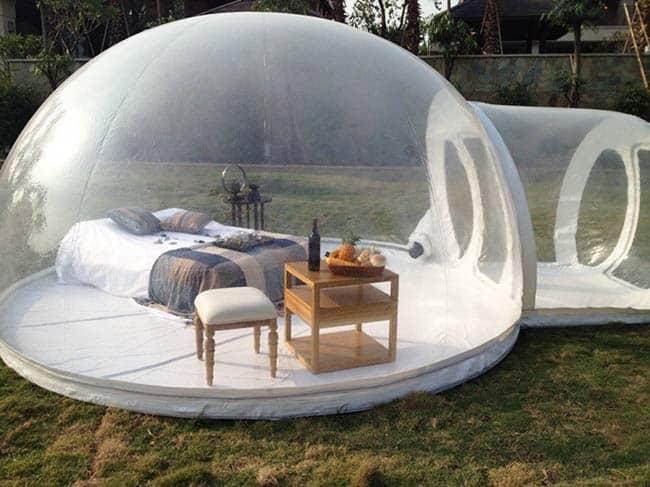 Já imaginou dormir em uma bolha no meio da neve ou da floresta?
