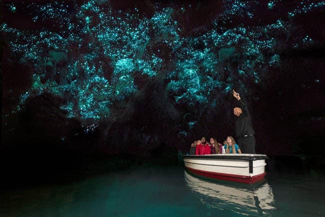 As cavernas brilhantes de Waitomo, na Nova Zelândia, vão te surpreender