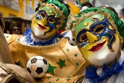 Já ouviu falar no mascarado Carnaval de Bezerros, em Pernambuco?
