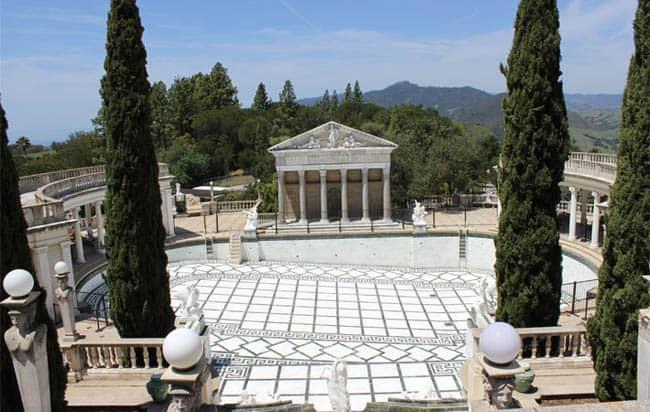 Inspiração para o filme 'O Grande Gatsby', Castelo Hearst encanta visitantes na Califórnia
