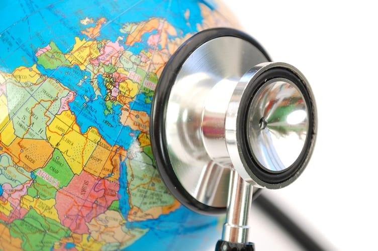 Gratuito, atestado PB-4 garante assistência médica em alguns países