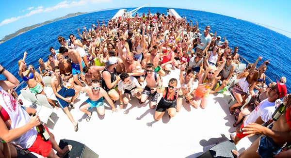 all-inclusive-boat-party