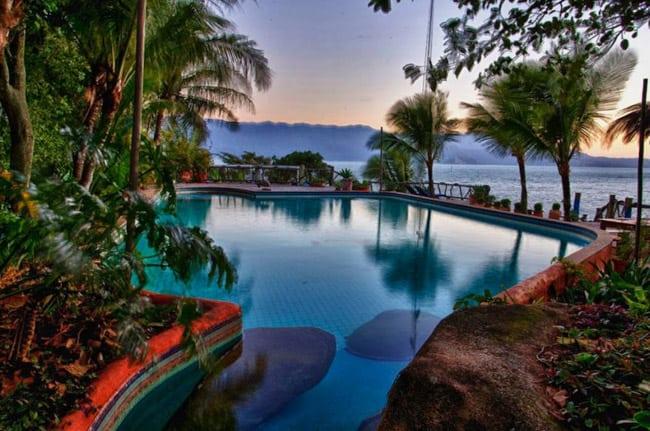 casa-de-luxo-em-ilhabela2