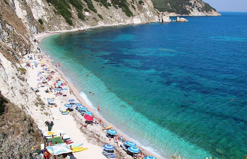 Praia de Sansone, em Elba