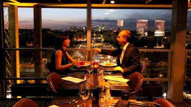 restaurante-torre-eiffel