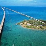 Florida Keys: travessia em estrada sobre o mar chega às ilhas paradisíacas de Miami