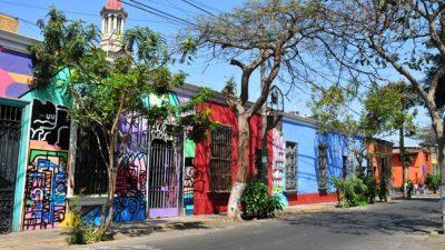 Bairro Barranco é reduto colorido e boêmio em Lima