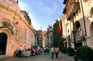 Bairro Lastarria, em Santiago, reúne gastronomia, cultura e muito charme
