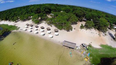 Que tal um mergulho nas águas cristalinas de Laguna Blanca, no Paraguai?