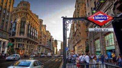 Com lojas para todos os gostos, Gran Vía é parada obrigatória em Madrid