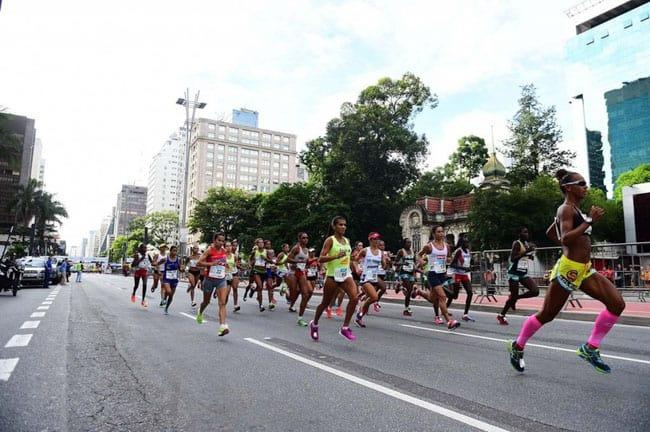 ... reunindo atletas do mundo inteiro. O público é enorme e animado e72743833f76c
