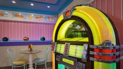 Conheça a Beaches & Cream, a lanchonete retrô da Disney em Orlando