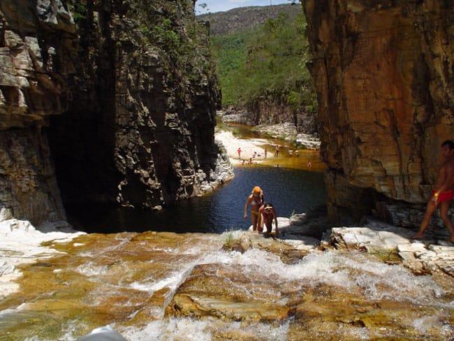Paraíso Perdido reúne cânions, piscinas naturais e cachoeiras em Minas Gerais
