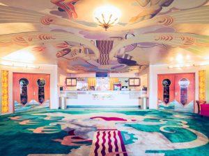 Descubra os cinemas Art Déco da Califórnia, verdadeiros tesouros arquitetônicos