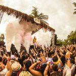 Spring Break Brasileiro aposta em cinco dias de festa numa praia de Porto Seguro