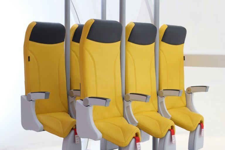 Companhia aérea italiana quer que você viaje em pé noavião
