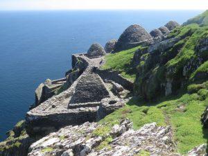 Por dentro de Star Wars: conheça a remota ilha de Luke Skywalker naIrlanda