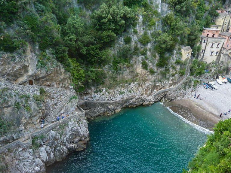 A bela Costa Amalfitana e o imperdível Fiorde de Furore